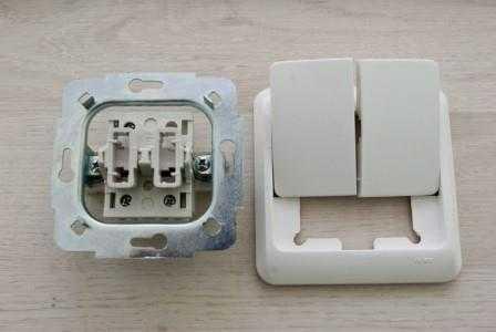 Установка двухклавишного выключателя в Санкт-Петербурге