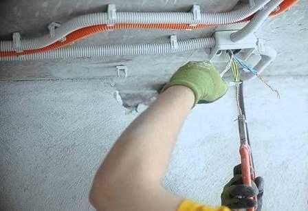 Замена и монтаж электропроводки в квартире в Санкт-Петербурге