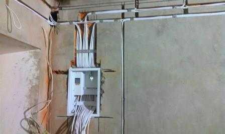Замена электрики в квартире в Санкт-Петербурге