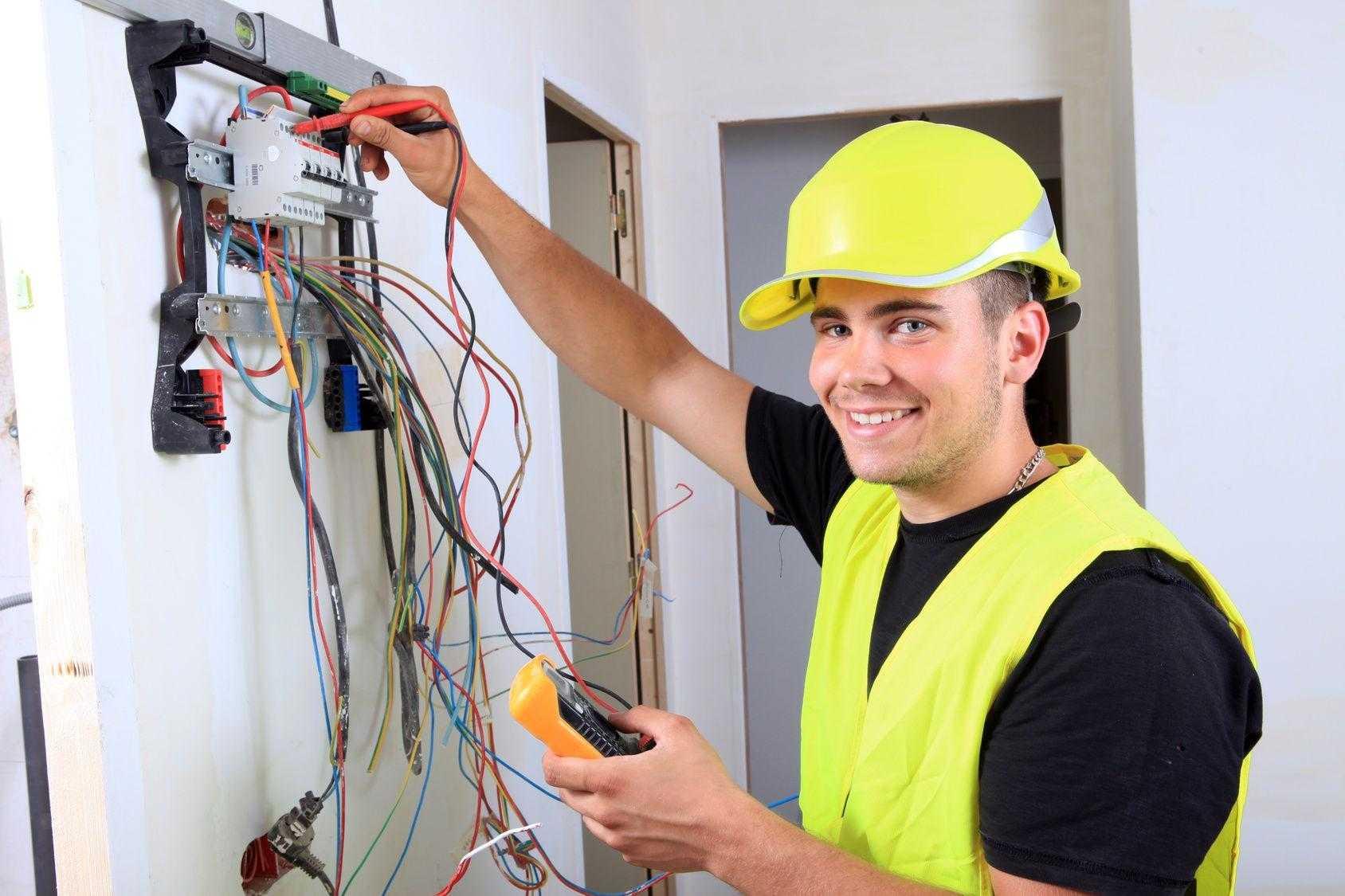 Стоимость электрика один работы час buran стоимость часов